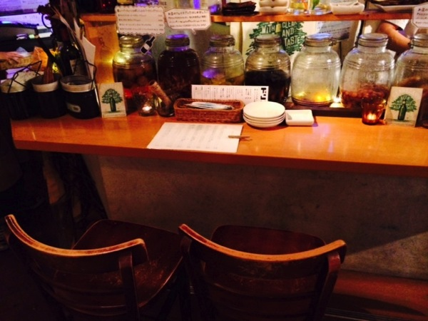 高円寺のハンモックがある松の木食堂