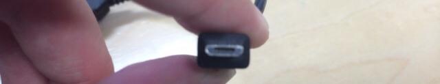 ワイモバイル(イーモバイル)のwifiルーターの充電ケーブルがNexus7にも利用できて便利