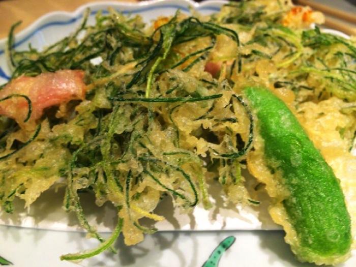 東京駅の山形料理屋「酒菜一」で十四代などの日本酒を飲めて玉こんも食べられる