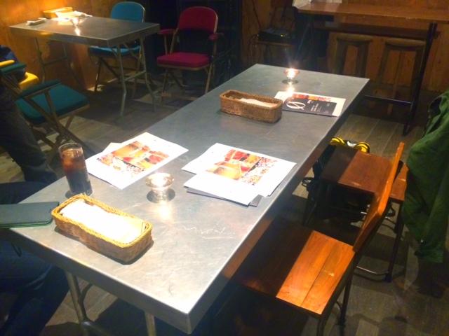 渋谷で飲み、ランチ、作業するならここ!電源とWiFiもあるゼロカフェ (0cafe)