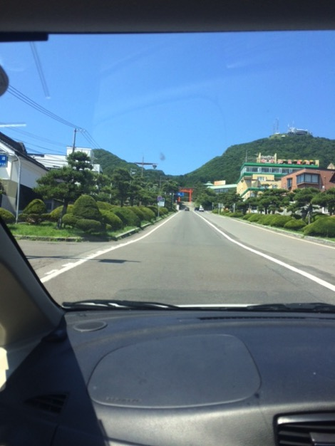 函館山ロープウェイへの道中は坂が多くて大変