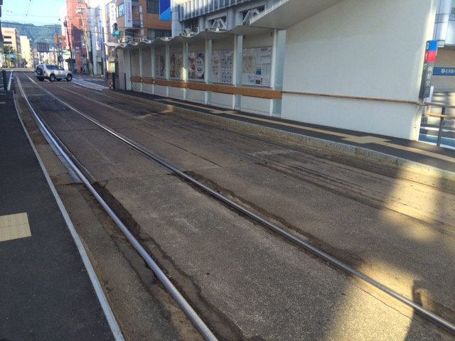 函館山ロープウェイで展望台に行ってきたので、料金、車でのアクセス、駐車場の有無、時刻表、クーポンなどの情報をまとめとく