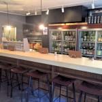 プロブロガーアシスタントの必須条件は飲み屋の目利き?高知市で日本酒だらけの名店「土佐バル」を紹介してもらったよ