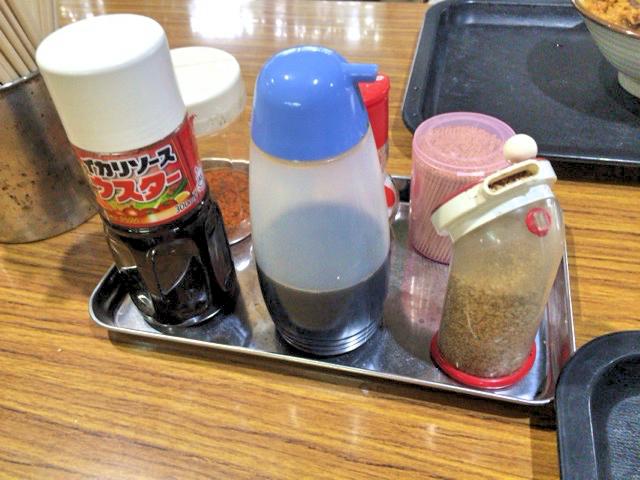 香川県善通寺市の岸井うどんの調味料