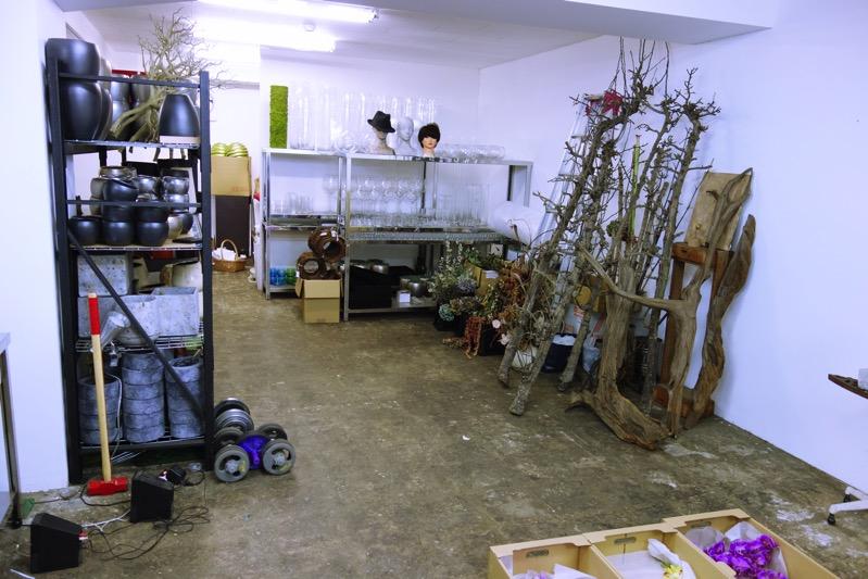 店舗を持たず、あとりだけが仕事場の花屋