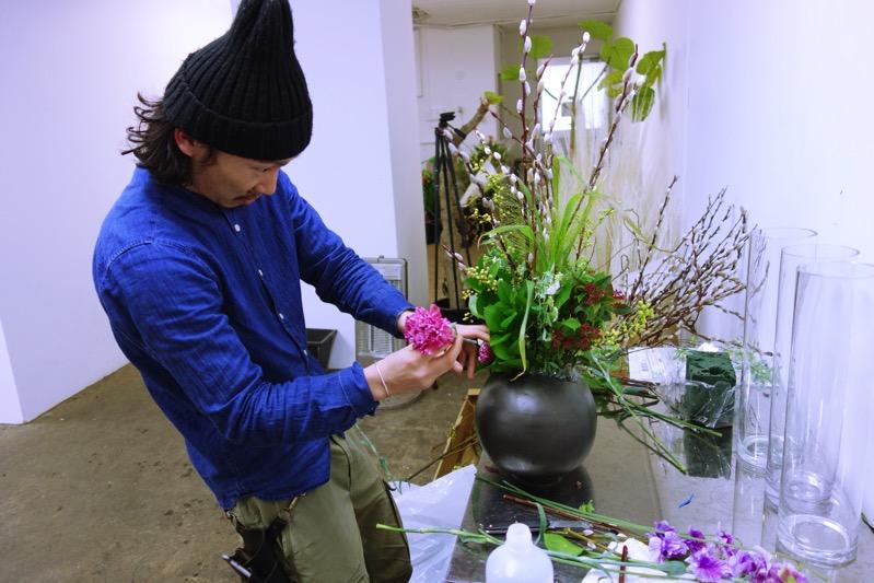 必要な分だけアレンジした花を作成し、選んでくれた人だけに提供するお花屋さん