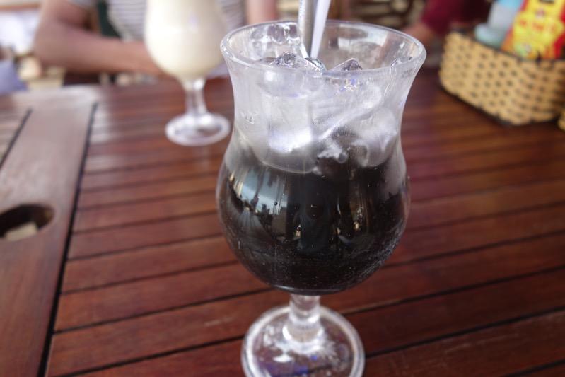 フーコックのカフェ「フォン ビン ハウス (Phuong Binh House)」では激甘ベトナムコーヒーを絶対に飲むべきだ