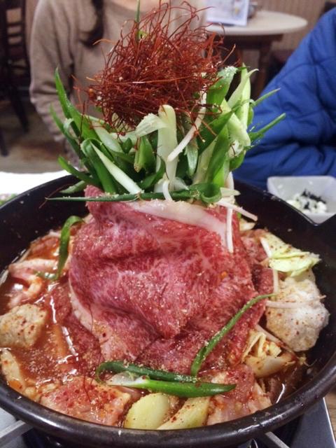 大衆居酒屋でインスタジェニック?尾道『米徳』の肉鍋がキレイでおいしすぎる件